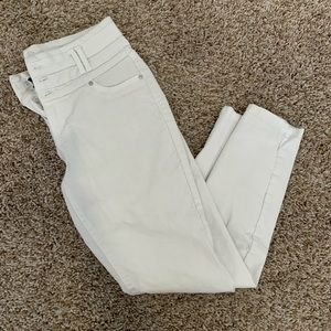 White high wasted skinny jeans